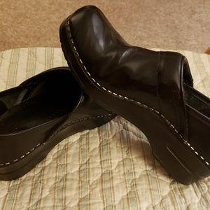 Dansko black size 38 clogs